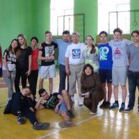 Спортивний турнір з волейболу між учнями і вчителями гімназії